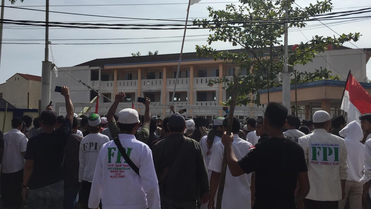 Religious affairs minister throws support behind FPI
