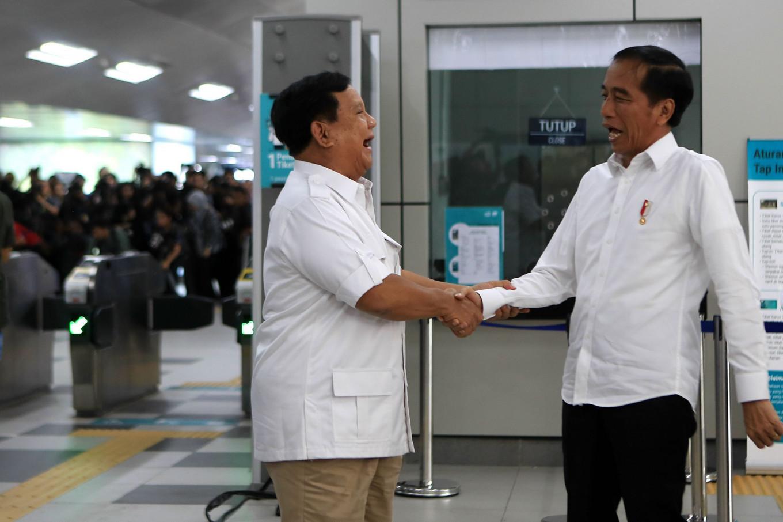 Tensions simmer as Jokowi, Prabowo meet