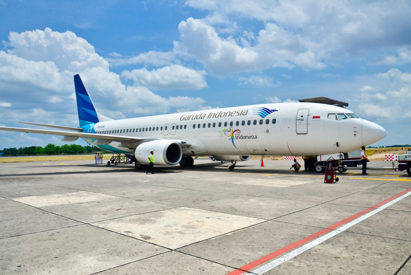 Airlines cut fares to adjust to price ceiling