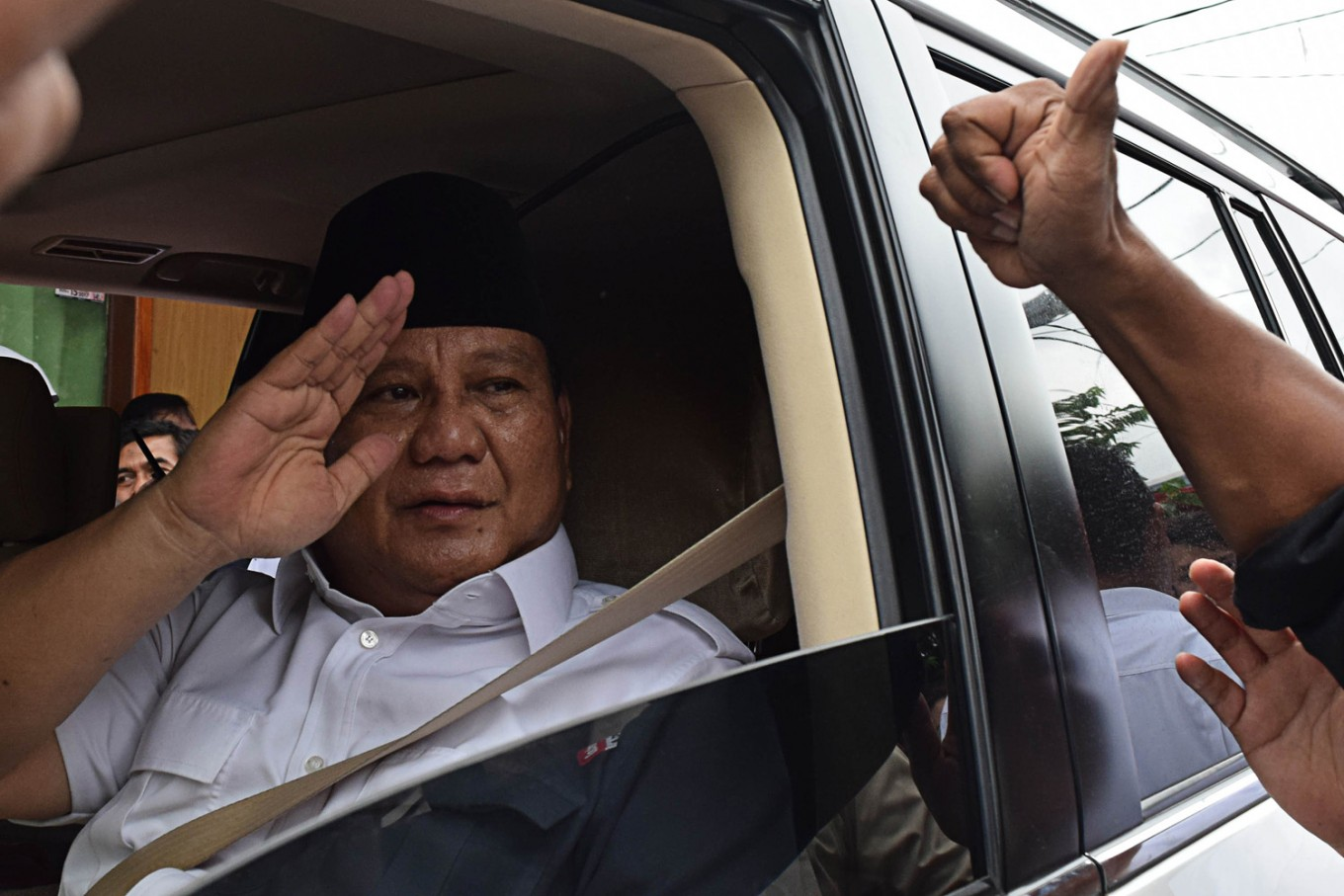 Prabowo's electability slides further as Jokowi's soars